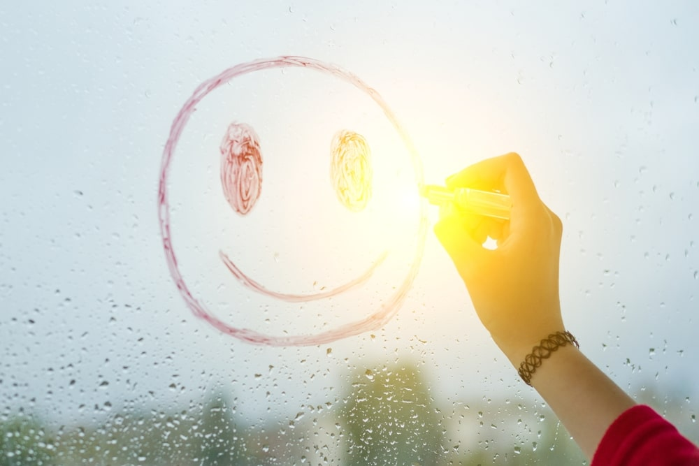 7 Signs You're A Silver Lining Chasing Optimist