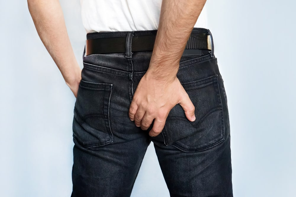 Don't Put Your Hand Down Your Pants to Itch Your Crack – Look at These Top 6 Reasons for Why Your Butt Itches Like Crazy